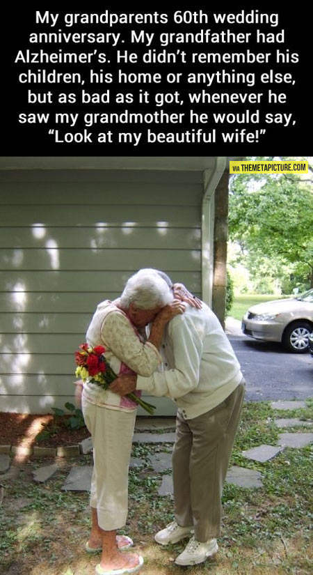 cute-old-couple-love-flowers