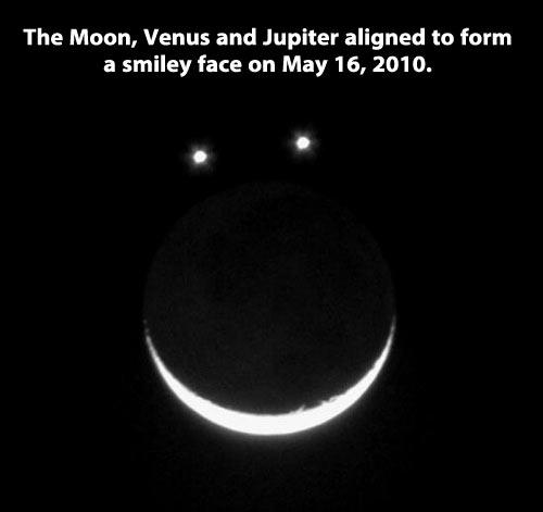 funny-moon-shape-happy-face