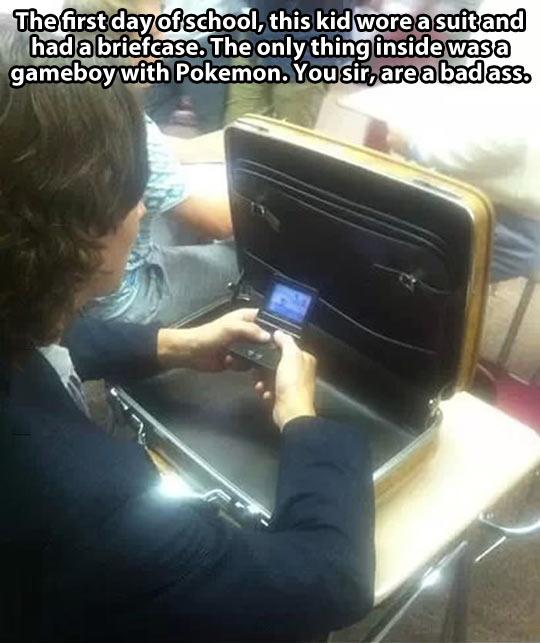 funny-school-gameboy-Pokemon-briefcase