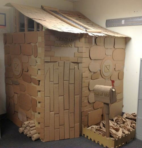funny-worker-office-house-cardboard-cool
