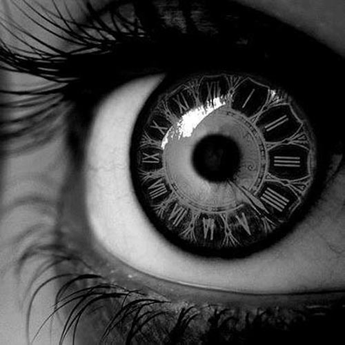 Clock contact lenses…