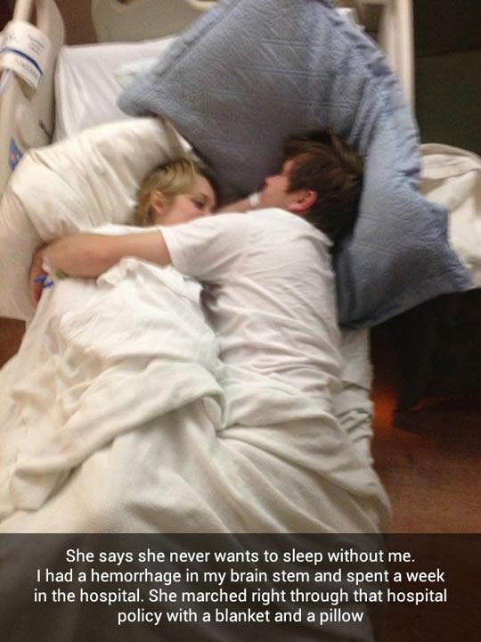 cute-couple-hospital-sleeping