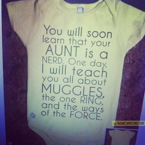 funny-baby-onesie-nerd-aunt