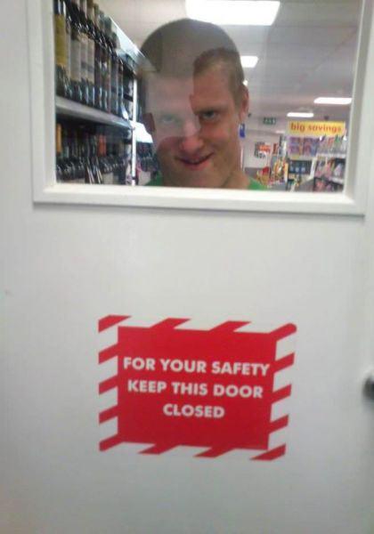 funny-keep-door-closed-weird-guy