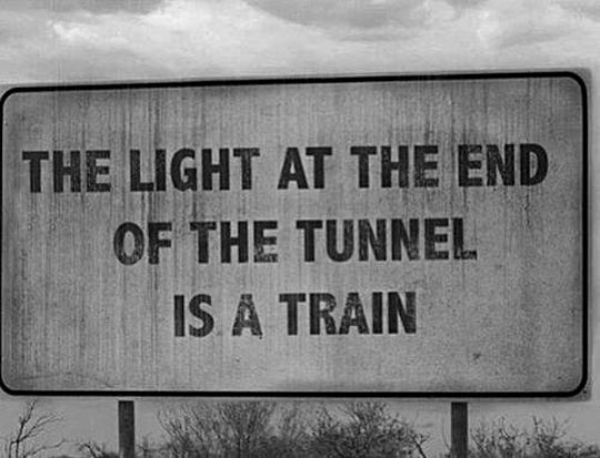 funny-light-end-tunnel-train