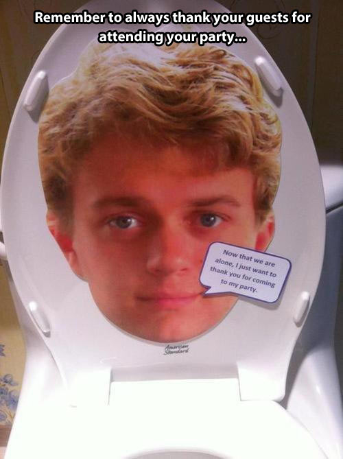 funny-toilet-seat-cover-face-prank