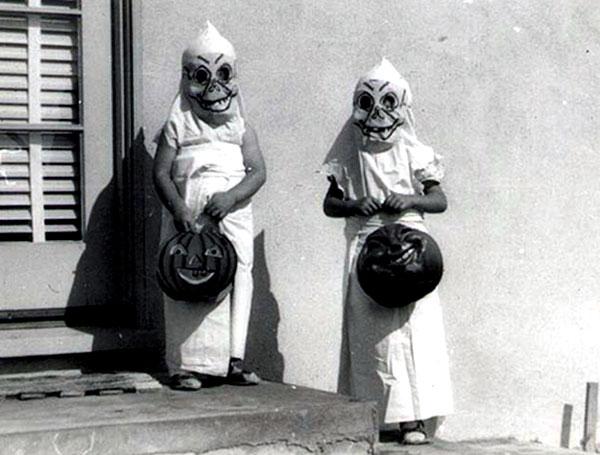 Creepy Vintage Halloween Costumes — 12
