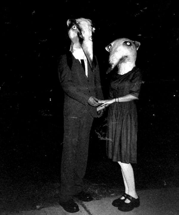 Creepy Vintage Halloween Costumes — 18