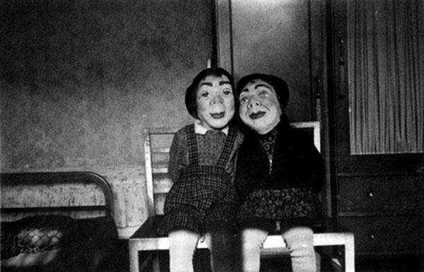 Creepy Vintage Halloween Costumes — 20
