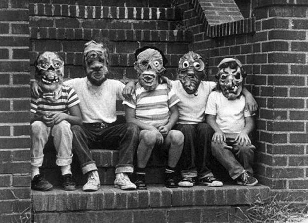 Creepy Vintage Halloween Costumes — 24