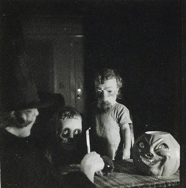 Creepy Vintage Halloween Costumes — 28