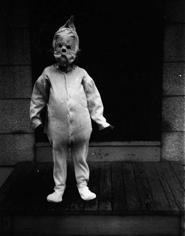 Creepy Vintage Halloween Costumes — 4