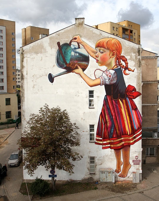 cool-giants-painting-wall-house