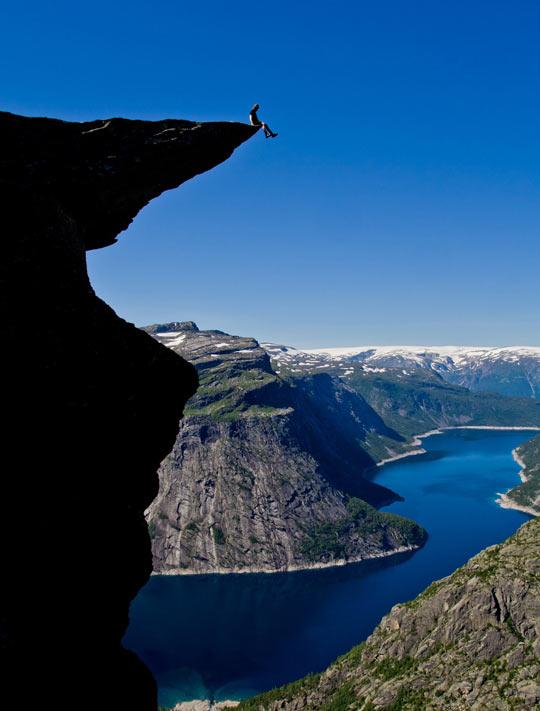 cool-photo-water-mountain