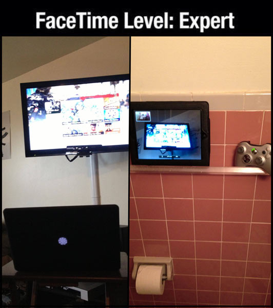 funny-FaceTime-play-games-bathroom