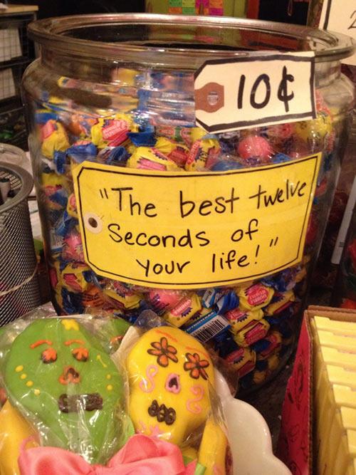 funny-candy-gum-jar-Halloween