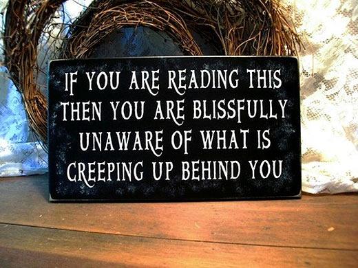 funny-creepy-behind-sign