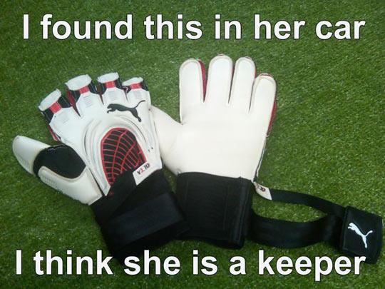 funny-gloves-soccer-car-goalkeeper