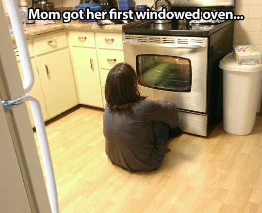 funny-mom-sitting-floor-oven