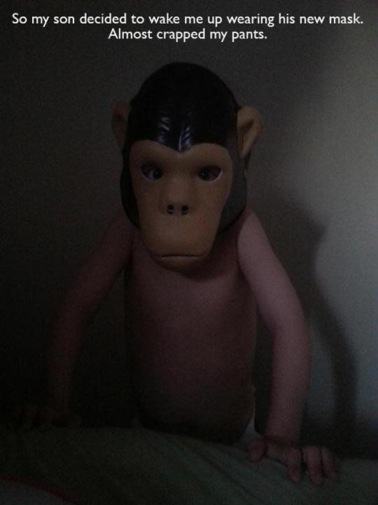 funny-monkey-mask-kid-prank