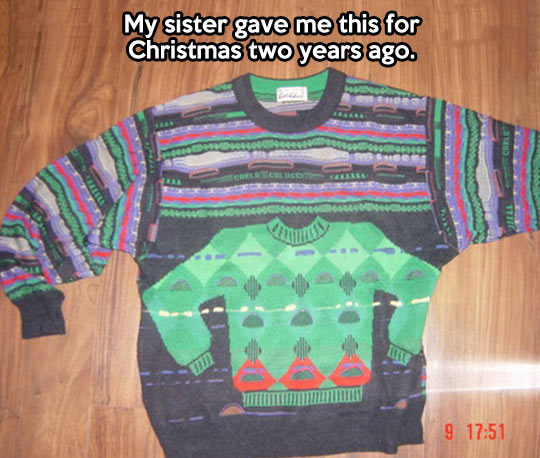 funny-present-Christmas-sweater-color