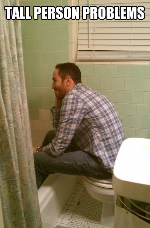 funny-tall-person-problems-bathroom