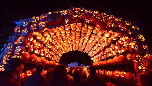 Awesome Jack O' Lantern Sculptures — 1