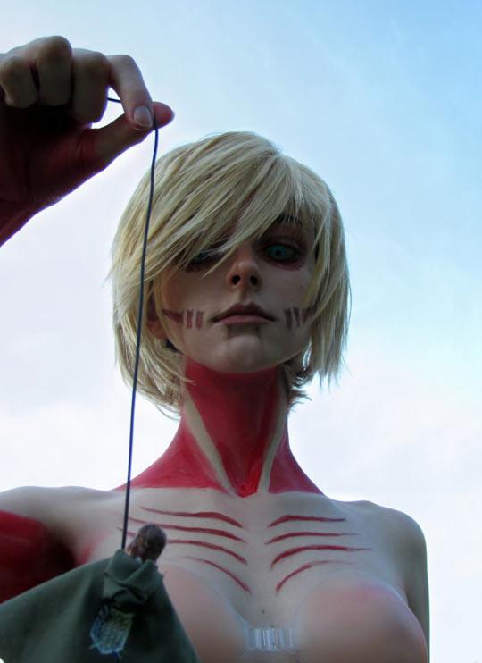 Awesome female Titan cosplay…