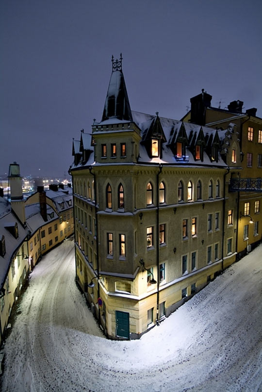 cool-night-Stockholm-snow