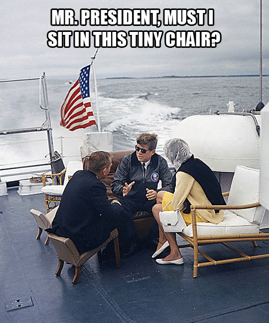 funny-Kennedy-chair-yacht-sea