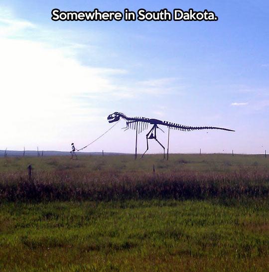 funny-South-Dakota-dinosaur-human