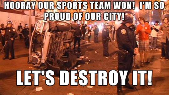funny-car-crash-police-sports-fan
