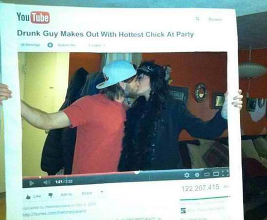 funny-guy-makes-out-Halloween-costume