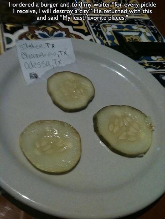 funny-plate-cucumber-restaurant