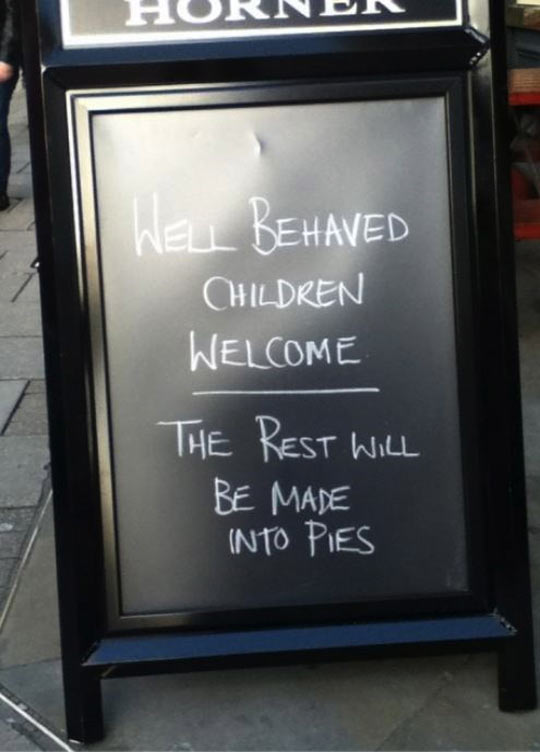 funny-sign-restaurant-behaved-children