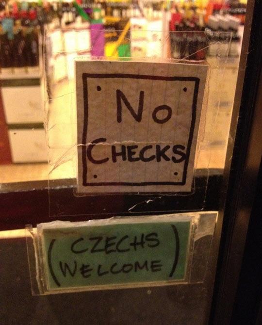 funny-store-sign-Czechs-no-checks