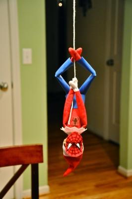 21 Super Clever Elf on a Shelf Ideas14