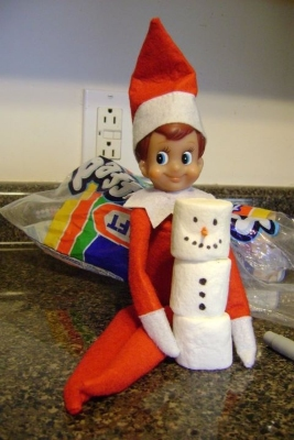 21 super clever elf on a shelf ideas