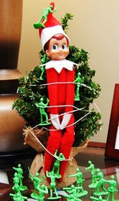 21 Super Clever Elf on a Shelf Ideas16