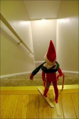 21 Super Clever Elf on a Shelf Ideas2