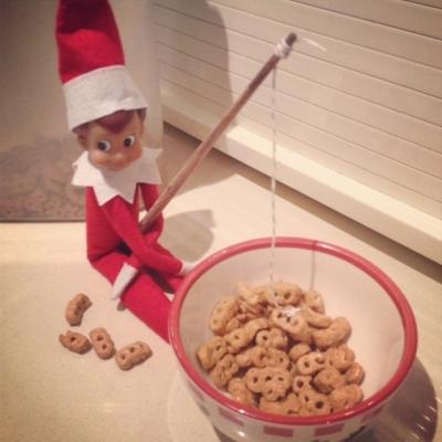 21 Super Clever Elf on a Shelf Ideas20