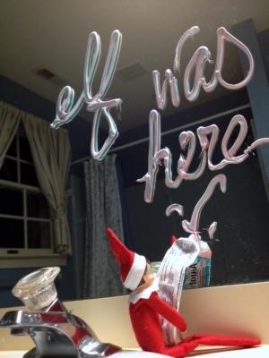 21 Super Clever Elf on a Shelf Ideas4