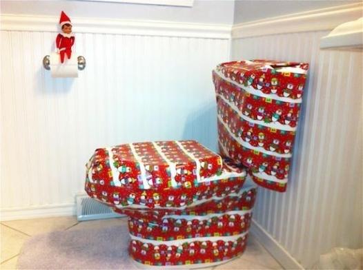 21 Super Clever Elf on a Shelf Ideas6