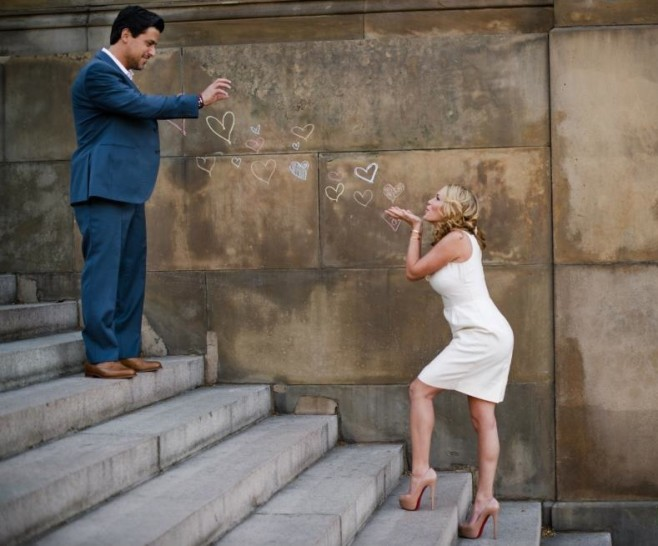 Some Awesomely Bad Engagement Photos (19 pics)12