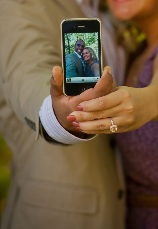 Some Awesomely Bad Engagement Photos (19 pics)19