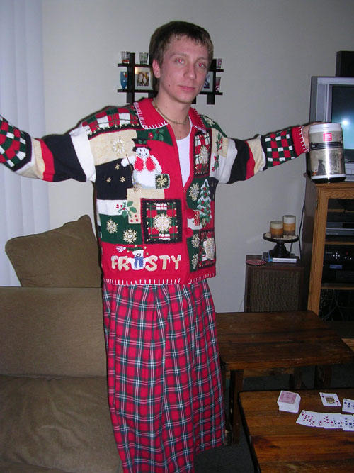 Ugliest Christmas Sweaters You'll Ever See (13 Pics)10