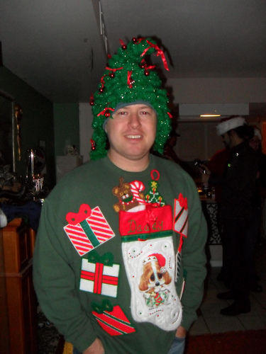 Ugliest Christmas Sweaters You'll Ever See (13 Pics)12