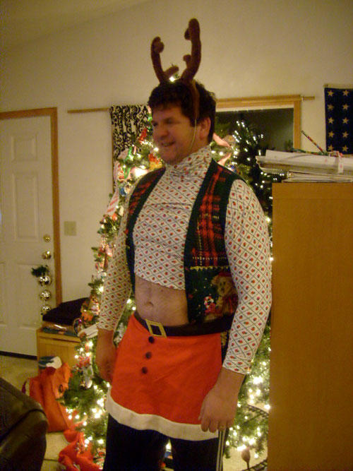 Ugliest Christmas Sweaters You'll Ever See (13 Pics)2