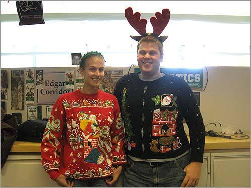 Ugliest Christmas Sweaters You'll Ever See (13 Pics)6