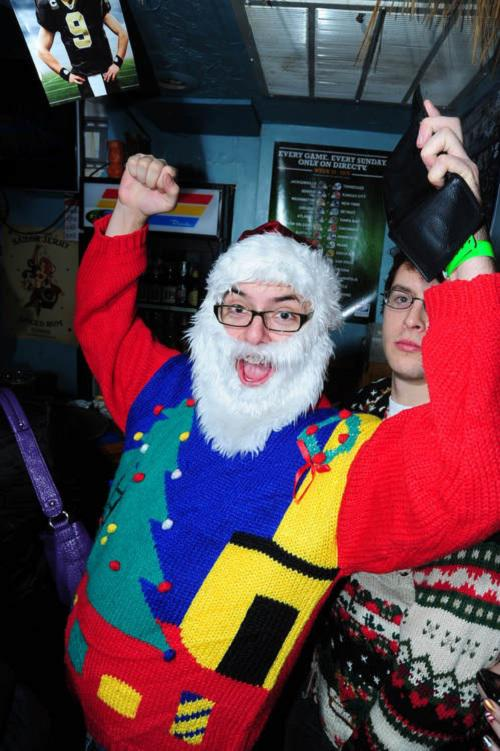 Ugliest Christmas Sweaters You'll Ever See (13 Pics)7
